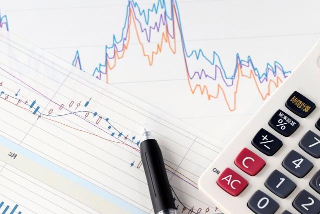 長期では株式の方が債券よりリターンが高いって本当?
