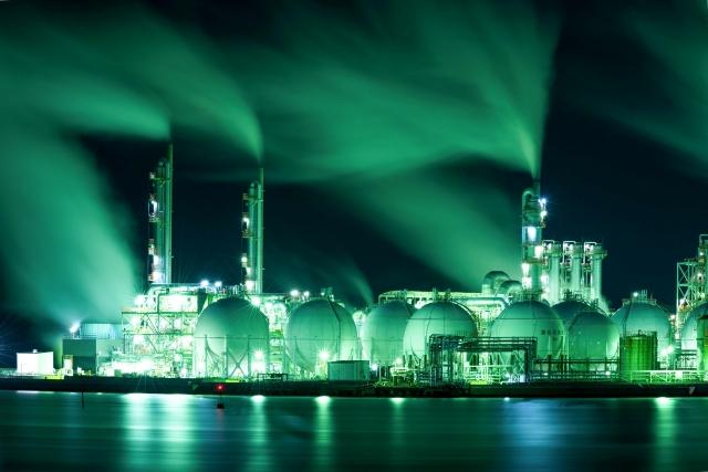 サウジ石油施設炎上で原油価格高騰!原油に投資って出来るの?